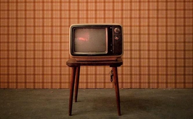 古びれたテレビ