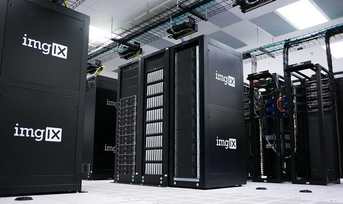 大きな黒いサーバー